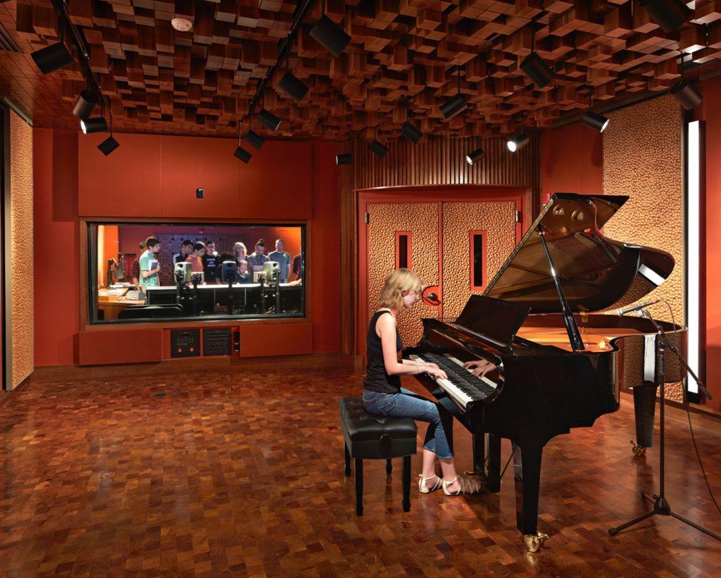 Recording Studio, Student